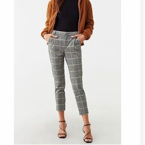 Forever 21 Houndstooth Mid Rise Capris Pants